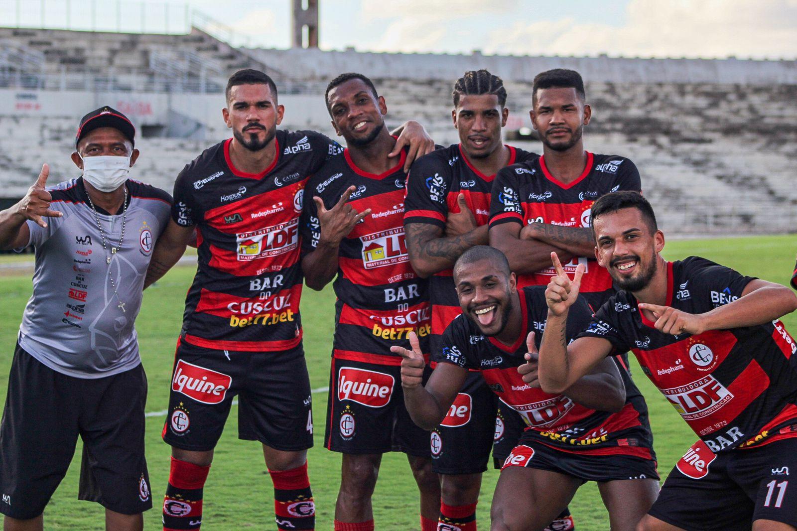 Jogadores do Campinense comemoram goleada de 5 a 0 sobre o Caucaia pela Série D